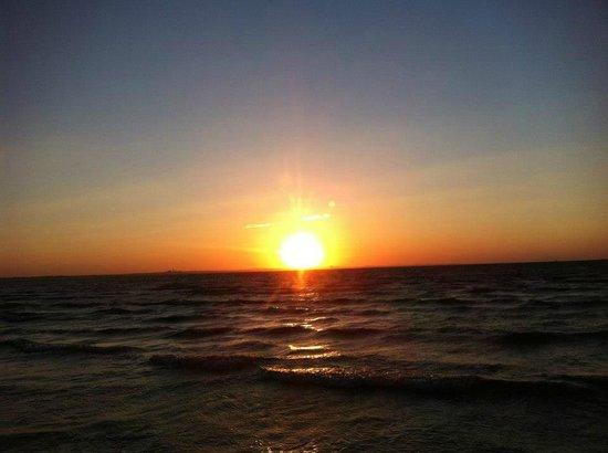 SENTIDO Rosa Beach : Sunset on the beach
