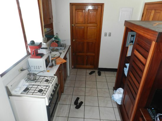 Parque Maritimo el Coco : kitchen