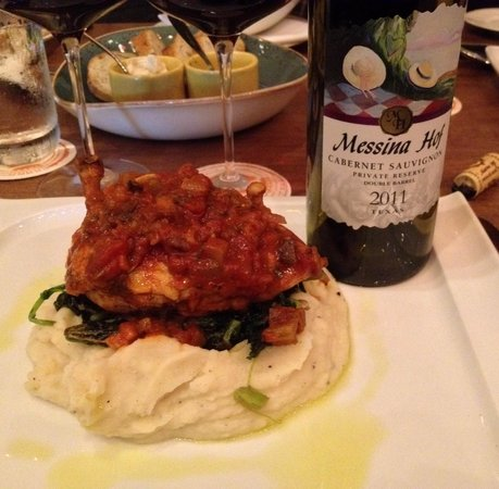 Osteria Mazzantini: The most tender chicken with a great bottle of wine