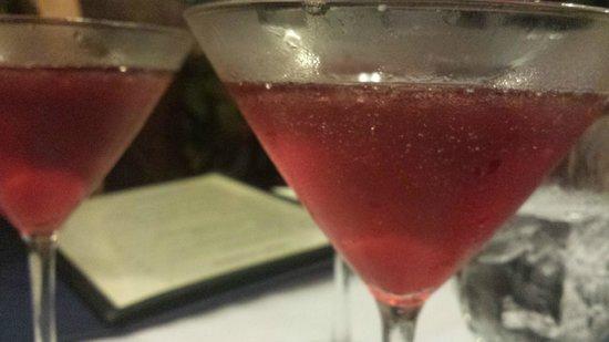 Fresh Catch Bistro : Berry martinis