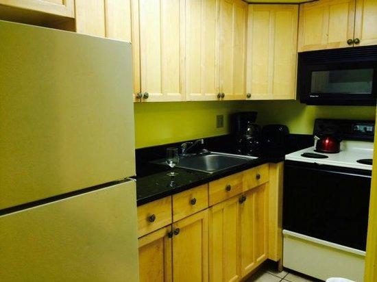 Lido Islander: All-electric kitchen