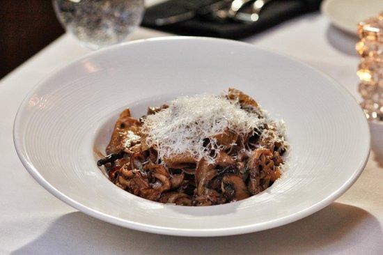 Palmers Restaurant: Porcini Tagliatelle. Wild mushrooms, roasted garlic and Parmesan Reggiano