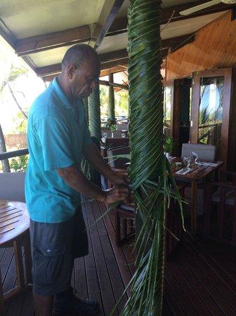 Wananavu Beach Resort: weaving palm frond