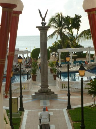 Hotel Riu Palace Tropical Bay: view from lobby