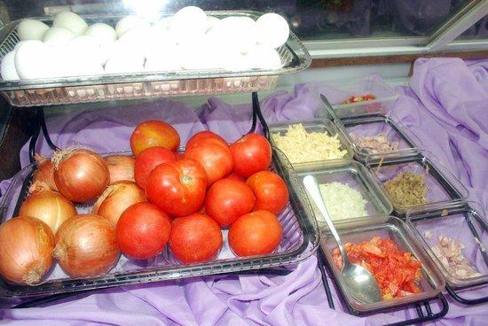 Arizona International Resort: Build your own breakfast - Fresh produce and ingrediants