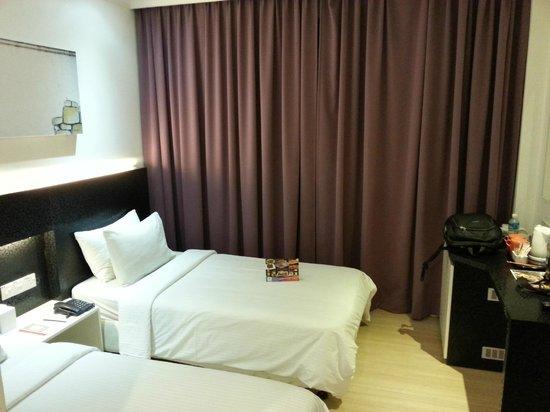 Swiss Inn Kuala Lumpur : Twin single bed room