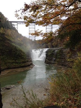 Bed & Breakfast at Oliver Phelps: Nearby Letchworth state park