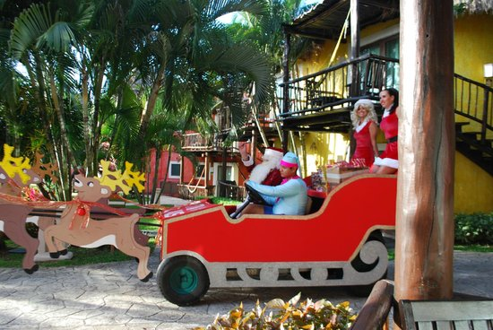 Iberostar Cozumel: Santa Claus and his Elves arriving for Christmas/  Brought gifts for the little ones to the beac