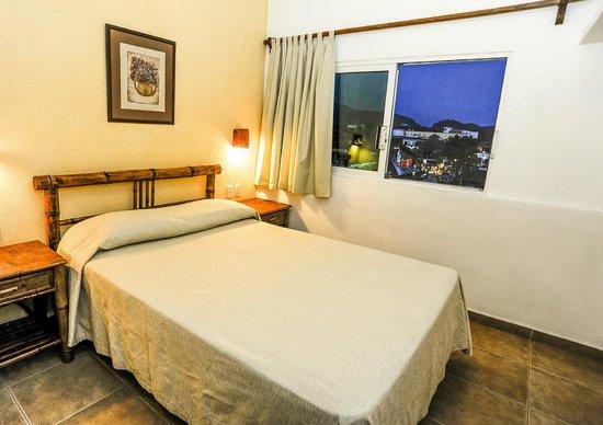 Hotel Suites Ixtapa Plaza: JR. SUITE RECAMARA