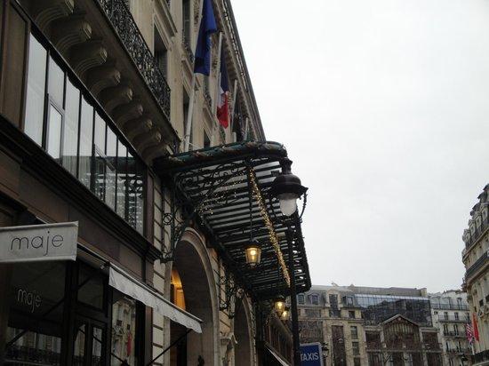 InterContinental Paris Le Grand : side entrance
