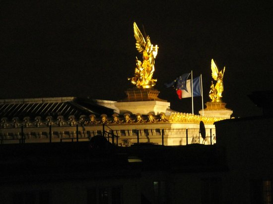 InterContinental Paris Le Grand : nighttime view from lounge