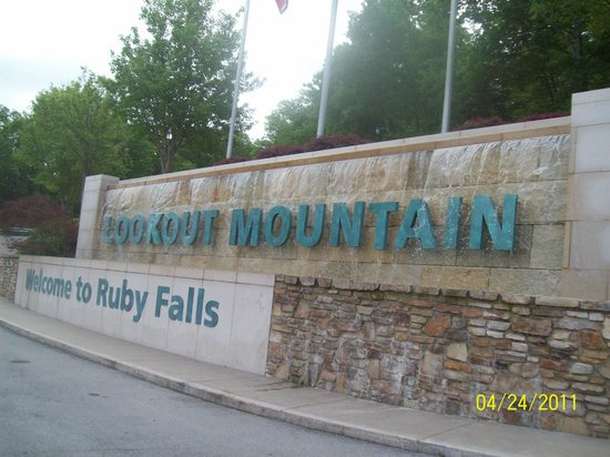 Ruby Falls : Entrance Sign