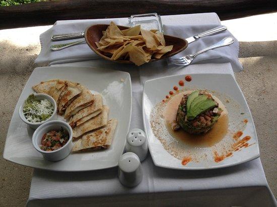 Le Reve Hotel & Spa: Chicken Quesadilla and Le Reve Ceviche