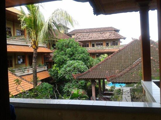 Suka Beach Inn : vue de la chambre 29A