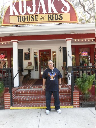 "Kojak's House of Ribs: Nuestro amigo ,Frente a Kojak""s"