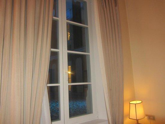 Bayerischer Hof Hotel: bei Nacht