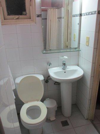 Sercotel Hotel Caribbean: Toilette et lavabo