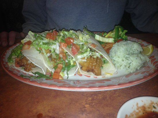 Abuelo's: specialized fish tacos