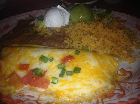 Abuelo's: Lunch portion chicken quesedilla