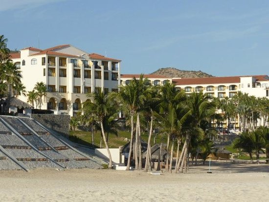 Melia Cabo Real All-Inclusive Beach & Golf Resort: View of hotel from the beach