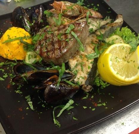 Kantina Cafe & Wine: Fish Platter