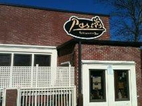 Pastis : Located on the corner in Old Roswell