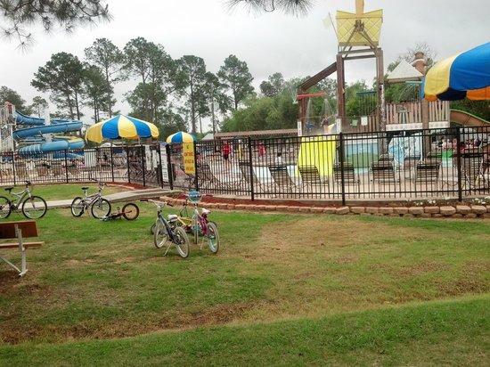 Lone Star Jellystone Park: water park