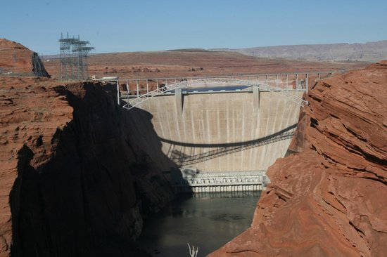 Glen Canyon Dam: The dam as viewed from the scenic overlook