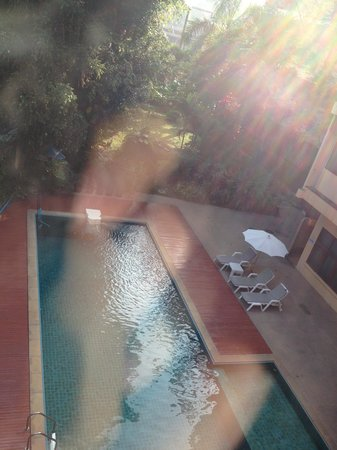 Oasis Hotel Chiang Mai: 一応プールもあります
