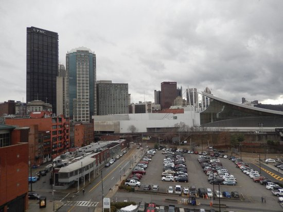 Hampton Inn & Suites Pittsburgh - Downtown : View from Room 801
