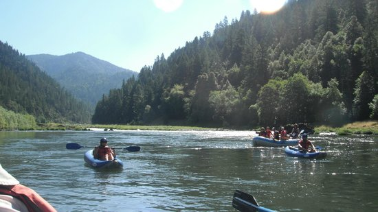 Momentum River Expeditions: Awesome vistas on the Rogue River