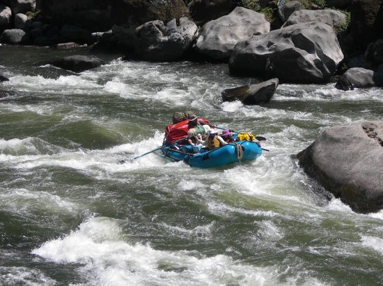 Momentum River Expeditions: Rogue River in Oregon