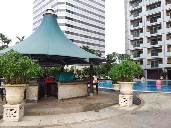 Swissotel The Stamford Singapore: Pool Bar