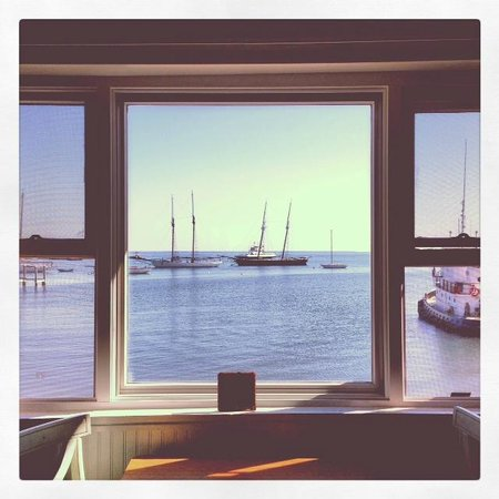 Vineyard Harbor Motel: room with a view