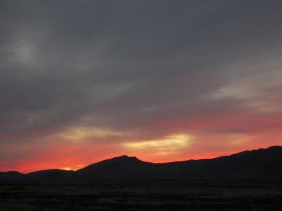 Hideout Ranch: Desert sunset