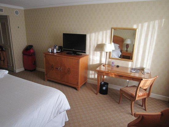 Sheraton Warsaw Hotel: room3