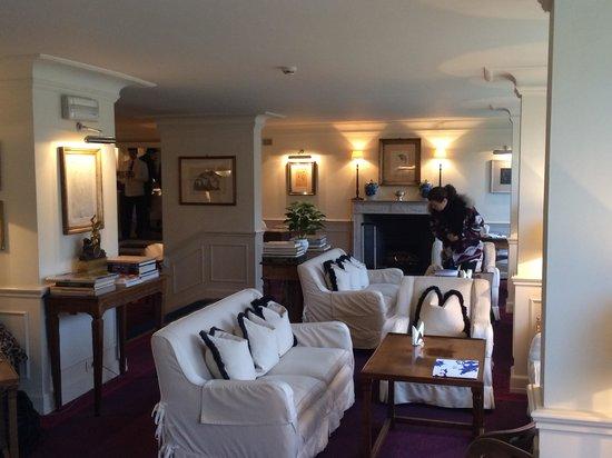 Hotel Lungarno : hotel lobby
