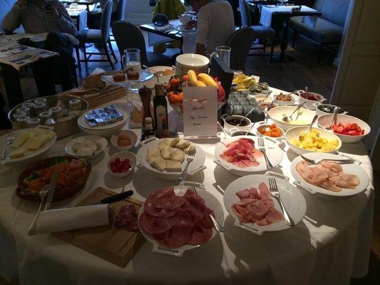 Hotel Lungarno : part of the breakfast buffett
