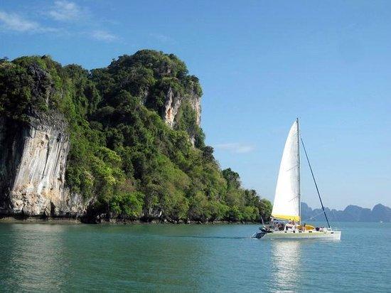 Faraway Yachting: Mozart in Phang-Nga bay