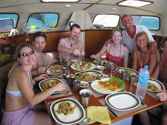 Faraway Yachting: Lunch is served!