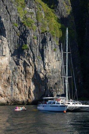 Faraway Yachting: Cataleya in Phi Phi Li