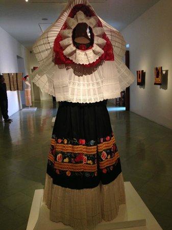 Tocado De Vestido De Tehuana Fotografía De Museo Textil De
