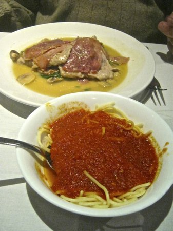 Emilio's Italian Restaurant: Our chosen mains