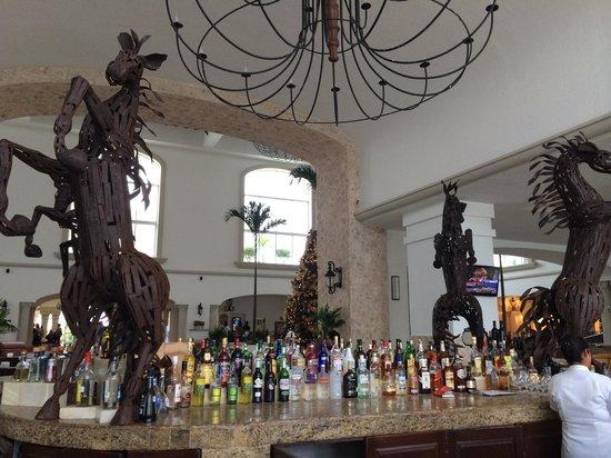Hyatt Zilara Cancun : Lobby bar! :]