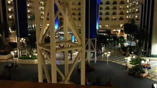 Renaissance Orlando at SeaWorld: lobby