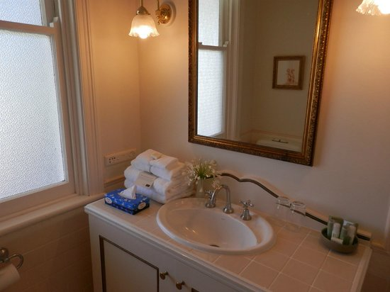 The Convent Hunter Valley Hotel: Bathroom