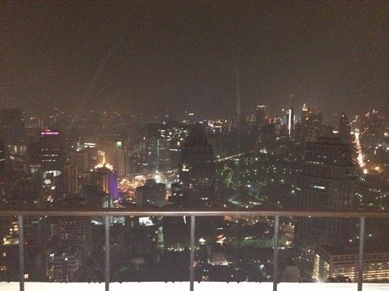 LiT BANGKOK Hotel : vertigo Bar
