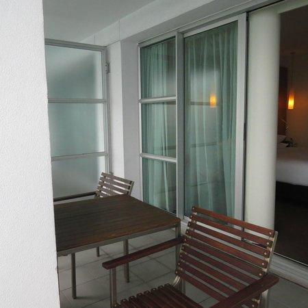 Hilton Auckland : balcony