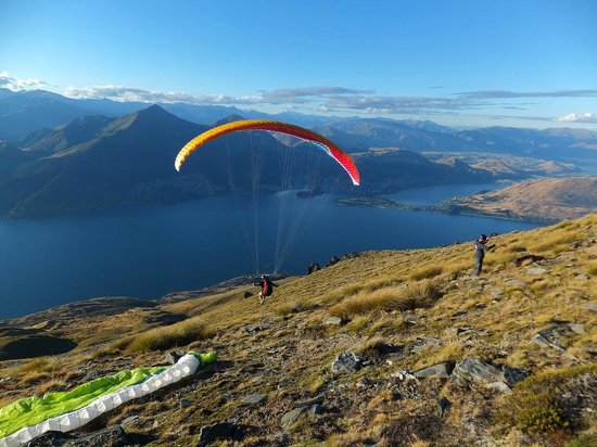 Alpine Adventures: Heli hike and paragliding from the Ledge, Cecil Peak