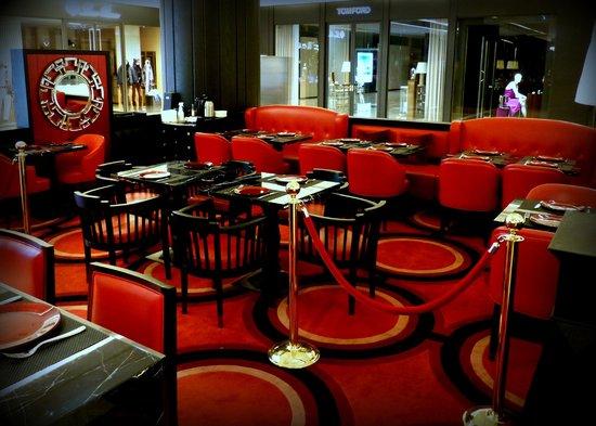 Breakfast options at le salon ifc picture of le salon de - Salon de joel robuchon ...